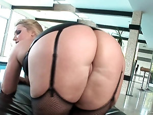 Blonde Milf wears corset while having her huge ass banged