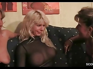 Skilled wife sucks vintage cock so passionately