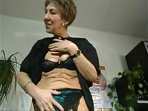 Hot mature grannie clips