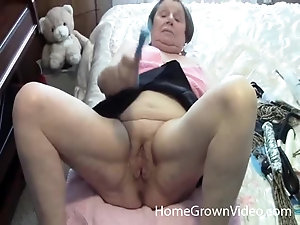 Chubby Slut With Legs Open - Old Women Legs Videos - The Mature Porn