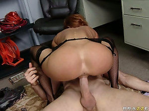 amateur mature chicks riding huge dicks