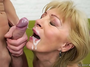 facial cum in the hotel