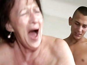 Mature large areola and pussy