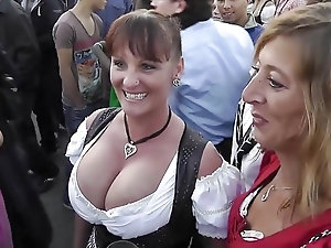 Granny 3some vid that interfere