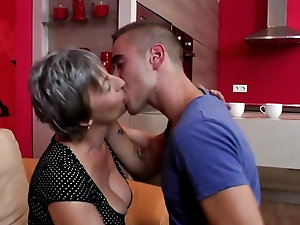Old Women Housewife Videos The Mature Porn
