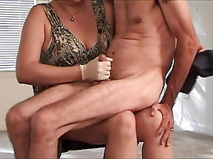 Real mommy sonn sex