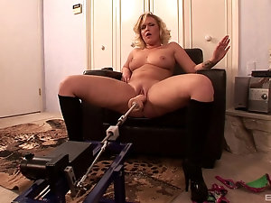Cuckold mature sex
